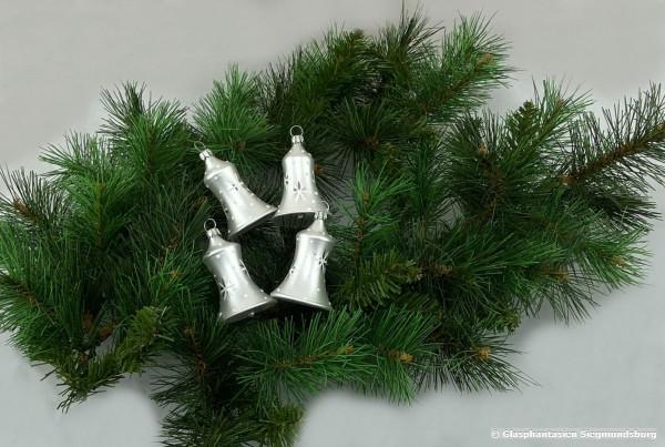 Glocken 6cm 4er Set Silber-matt mit weißen Sternen dekoriert diese Glöckchen haben einen echten Klöppel