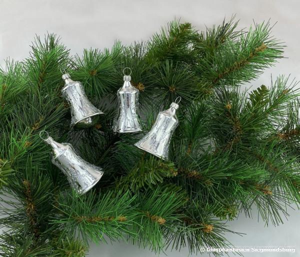 Glocken 6cm 4er Set Silber-glanz mit Lacktropfen dekoriert diese Glöckchen haben einen echten Klöppel